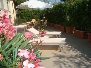 Bacco con grande terrazza solarium