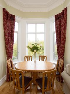 W.B. Yeats dining area for up to 6 people