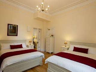 The James Joyce - sleeps 6