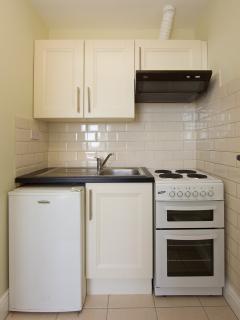 Brendan Behan fully equipped kitchen