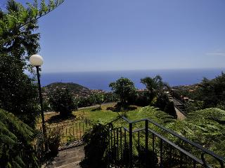 'VILA AFONSO COTTAGE'-POOL, SEA VIEW, GARDEN, WIFI