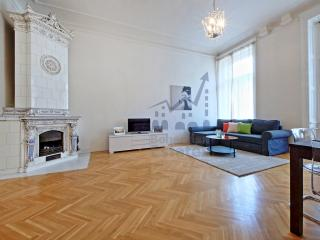 Louvre Apartment, Praga