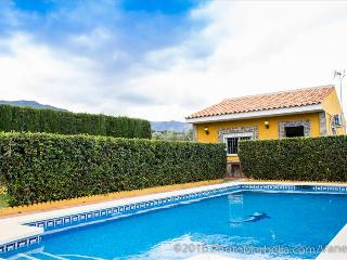 Lovely Villa Vanessa in Peaceful Countryside, Alhaurin de la Torre