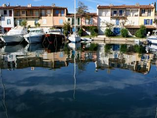 Port-Grimaud: beautiful apartment near the beach