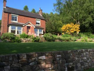 Canalside cottage, Leek