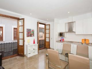 apartamento Iliberis, dos dormitorios, dos banos.