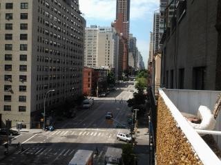 Upper East Side studio with panoramic views.., Nueva York