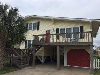 Channel House, Private Dock, Wifi, 3br/2ba, North Myrtle Beach