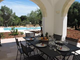 Trullo Dipinto – sleeps 6 +1 - salt pool, Ostuni