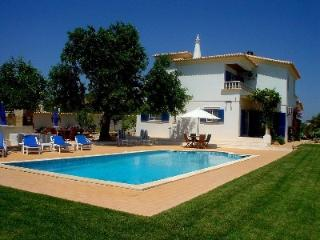 3 bed villa, secluded, rural, 20 mins from Faro