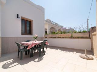 Sunny Seaside Holiday Home, Torre San Giovanni