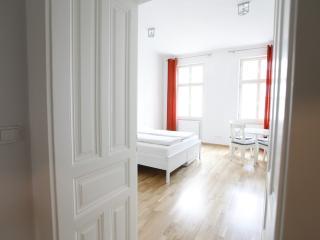 Helle Wohnung - direkt am Augarten, Vienna