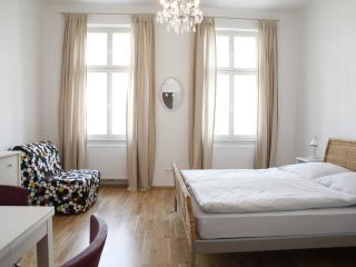 Quiet and central apartment on Augarten