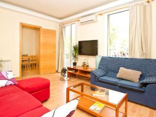 S2-Precious and Modern Flat NEAR SAGRADA FAMILIA, Barcelona