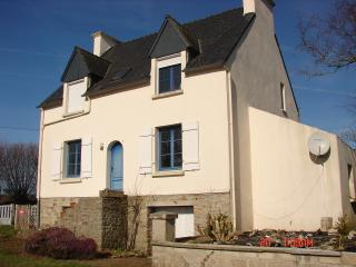 Charming country house with splendid views; KEROSE, Tregourez