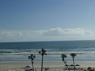 1/1 Oceanfront Condo available for May / June!