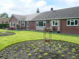 TAYBERRY, single-storey annexe, country setting, great walking and touring, Mellington