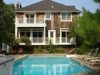 Spacious Home with Pool in Heart of the Hamptons!, Water Mill