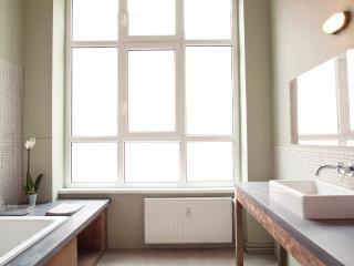 Chez Chérie // Bright Loft Photo Studio 1