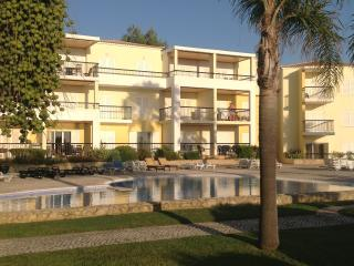 Excellent Holiday Apartment in Clube Alvor Ria