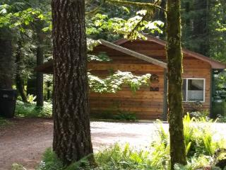 Vine Maple House, Private Hot Tub, Pet Friendly