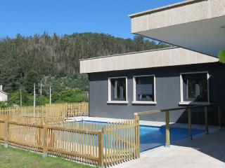 Luxurious new villa with swimming pool on Rias Baixas