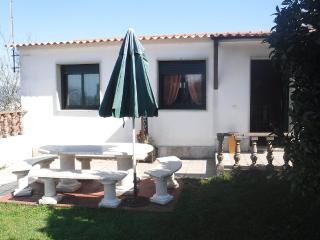 Beachside cozy house with lovely garden and seaviews, Marín