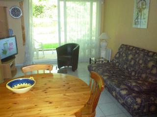 Appartement T2 rez de jardin calme Marseille 13008