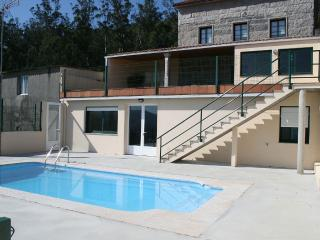 Charming, spacious house with pool and barbacue in Santiago de Compostela, Brion