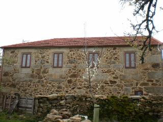 Peaceful and charming stone house in Ourense, Muinos