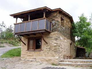 "Cozy mountain cottage in idyllic environment in Ribeira Sacra"", A Pobra do Brollón"