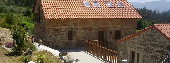 Ref. 11274 Casa con piscina en la montana