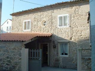 Charming stone house close to the beach in Laxe