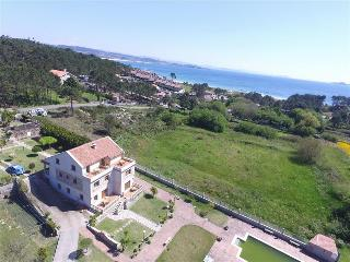 Wonderful apartments located just 150m. from the beach in peaceful area, O Grove