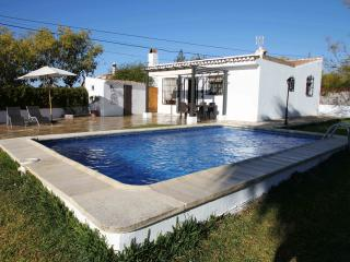 Lovely holiday villa  with swimming pool near the beach in Nerja