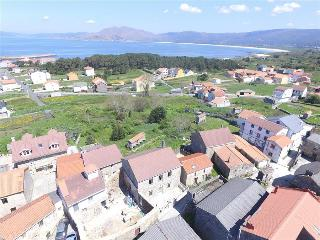 Lovely stone house just 700m from the beach, Carnota