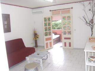Attractive furnished ... between mountain and beach ..., Case-Pilote