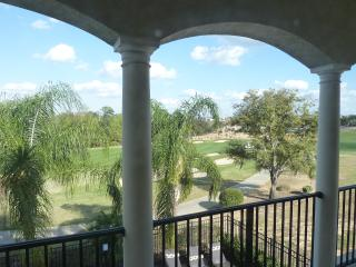 Luxury Villa on Golf Course, 10 min. from Disney!