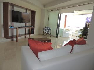 Arena Blanca Luxury Four Bedroom Condo, La Cruz de Huanacaxtle