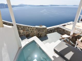 See Santorini Oia Jacuzzi sea view