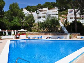 Appartment mit grossen Terrase und Pool, Santa Eulalia del Río