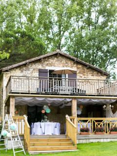 Lake view Vendee Holiday Cottage