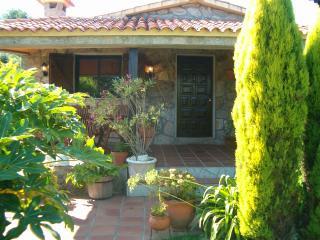 Casa rústica ajardinada, Provincia de Pontevedra