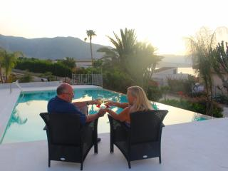 Romantic evenings by the pool
