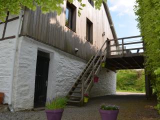 Escalier et terrasse du gîte