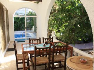 Agreable villa avec une piscine