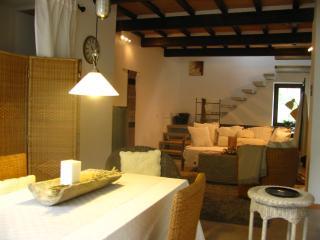 Casa Cipressi, Loretello