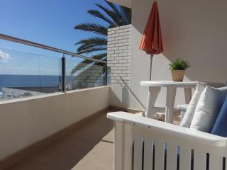 Bonito piso segunda linea de playa con vistas mar