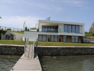 Ancarva - contemporary waterside holiday home, Kingsand