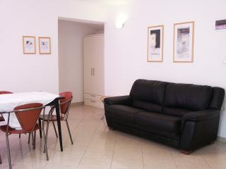 Apartment Elio 1 with pool near the beach, Umag